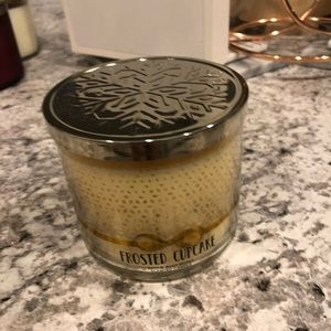 "Bath & Body Works ""Frosted Cupcake"" 3 Wick Candle"